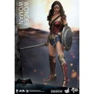 Batman vs Superman Wonder Woman Hot Toys